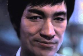 """Comercial da Johnnie Walker """"ressuscita"""" Bruce Lee após 40 anos de sua morte"""