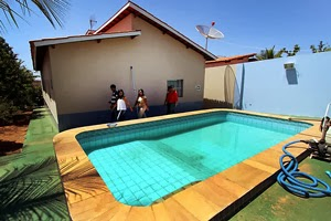 cubanas cubanos médicos médicas casa piscina saúde mais médicos governo política