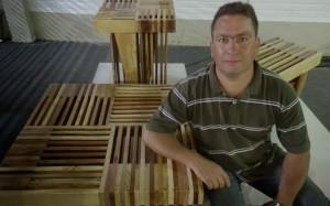 Fernando de Figueiredo com madeiras