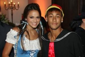 Neymar e a namorada Bruna Marquezine