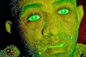 Ladrão com tinta verde