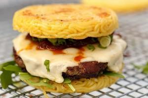 Hambúrguer de 'miojo'