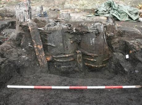 Excrementos conservados de 700 anos em barril