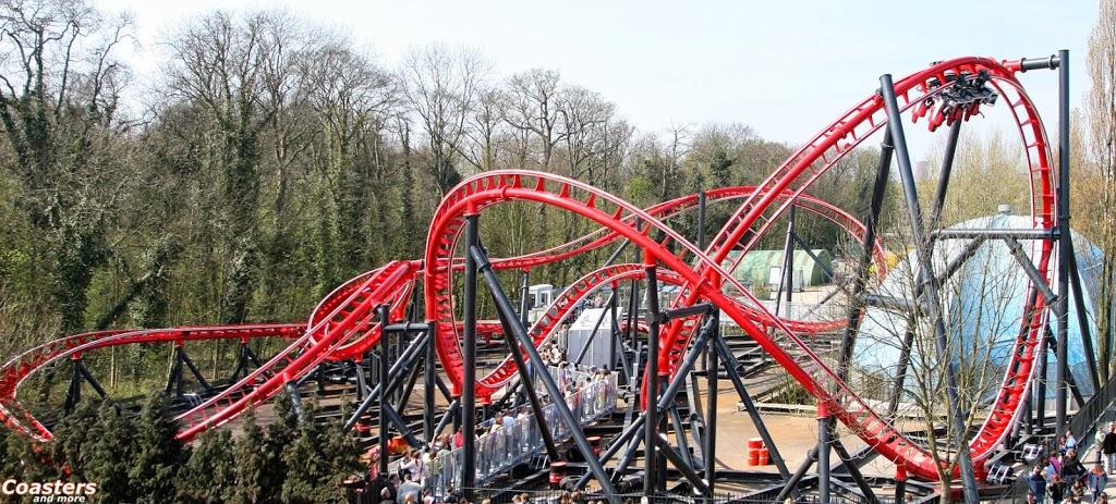 Montanha-russa Formule X do parque de diversões Drievliet