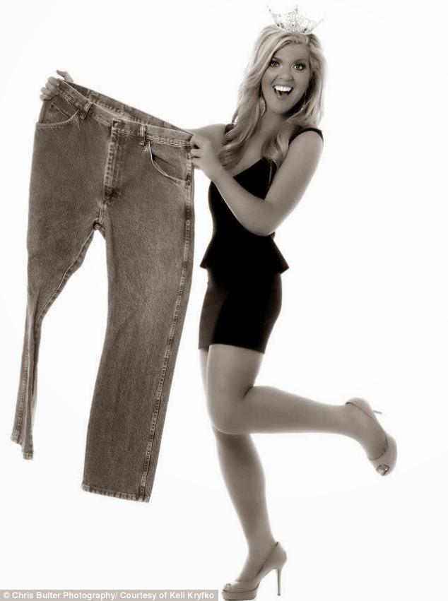 Keli Kryfko mostra calça de número 52