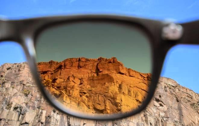 Rochas vistas com uma lente Tens