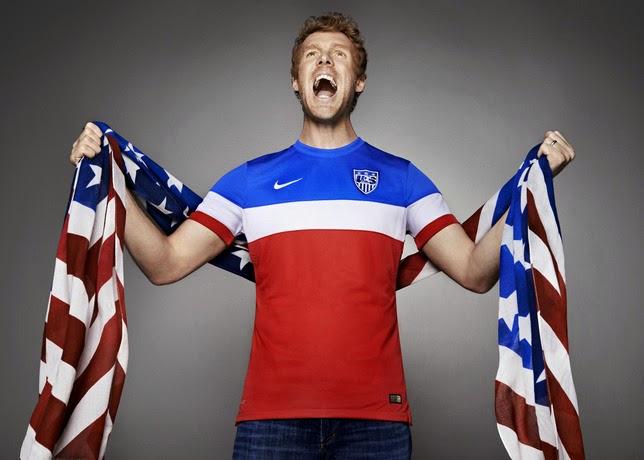 Torcedor com bandeira dos EUA