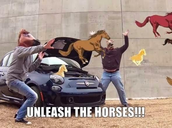 GIF de cavalos no comercial da FIAT