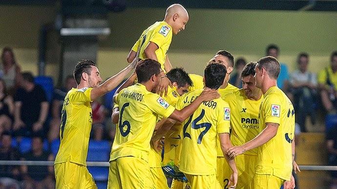 Jogadores do Villareal comemoram gol de Gohan