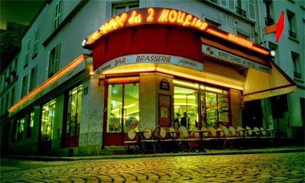 O famoso Café des 2 Moulins, cenário do Le fabuleux destin d'Amélie Poulain