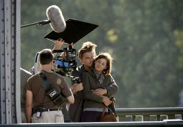 Leonardo di Caprio nas filmagens de Inception no pont de Bir-Hackeim, em Paris 15