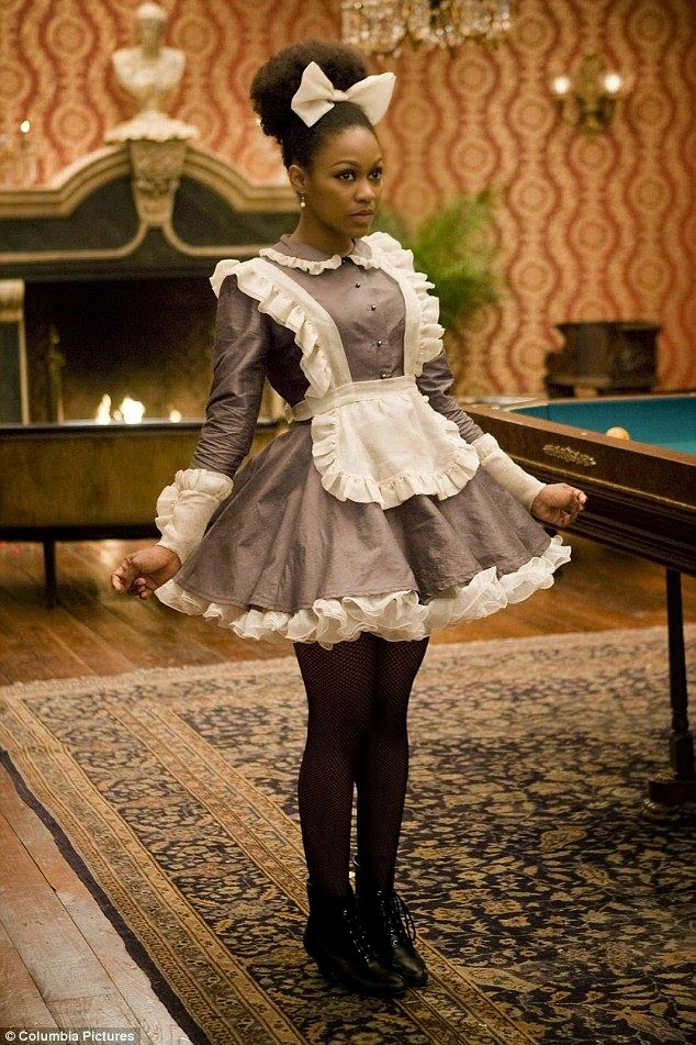 Danièle Watts como a personagem Coco de Django Livre