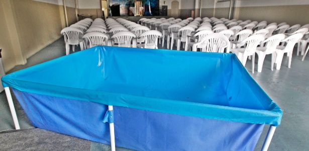 Igreja compra piscina para usar como reservat rio de gua for Compra de piscinas