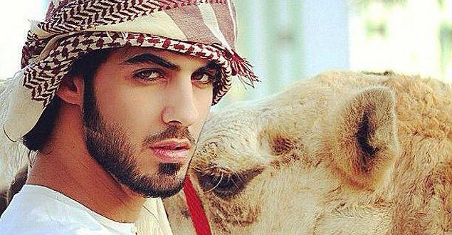 Notícia de homem deportado da Arábia Saudita por ser muito bonito é falsa