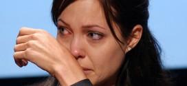 Blogueiro do portal R7 chama Angelina Jolie de heroína cretina