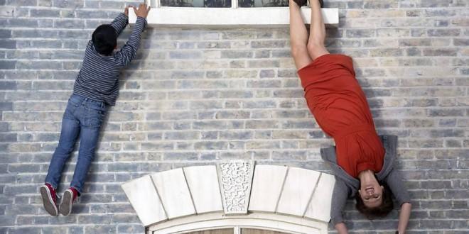 Obra de arte em Londres desafia a lei da gravidade