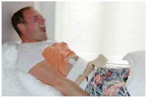 Homem testa aparelho que reproduz a dor do parto