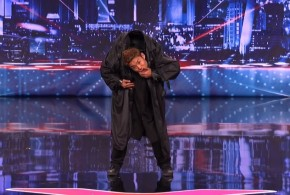 "Kenichi Ebina e a dança ""Matrix"" no programa America's Got Talent"