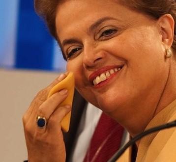 Dilma gasta R$ 3.125 com penteado e maquiagem para pronunciamento na TV