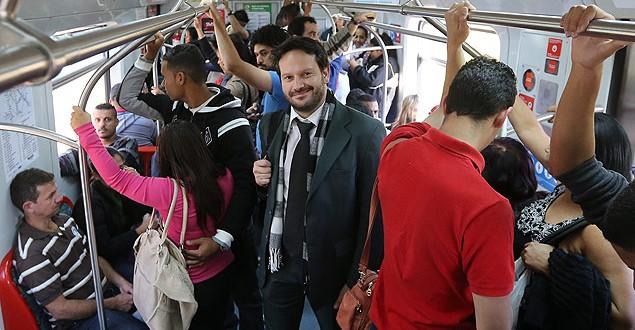 Advogado ganha indenização de R$ 15 mil por pegar trem lotado em SP