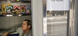 Jornaleiro cobra R$ 8,00 por informação sobre ruas de SP