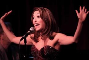 Atriz imita 19 cantoras famosas em versão de 'Total Eclipse Of The Heart'