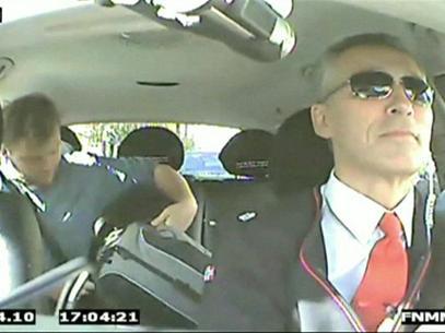 Primeiro-ministro norueguês se disfarça de taxista para ouvir eleitores