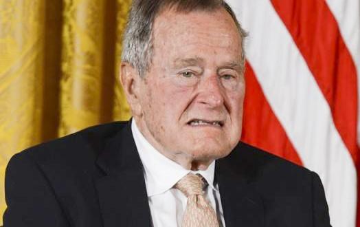 Bush pai envia condolências por engano sobre morte de Mandela