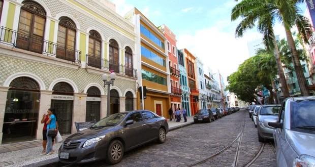 Aplicativo ajuda motorista a encontrar vaga nas ruas do centro histórico de Recife