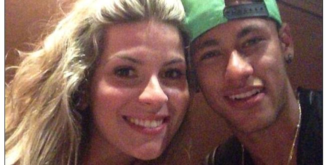 Jornal inglês confunde loira com Marquezine e erra namorada de Neymar