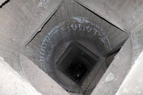 Universitária morre após cair em fosso de elevador na USP