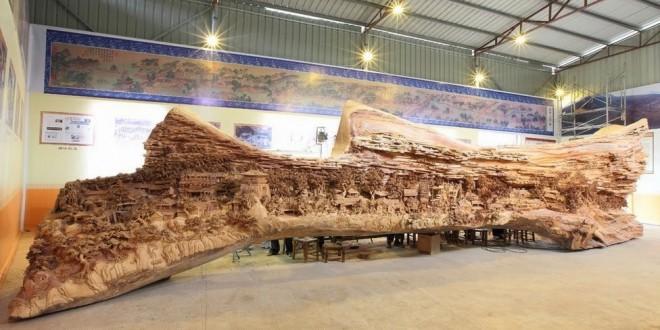Artista chinês leva 4 anos para esculpir obra-prima em madeira