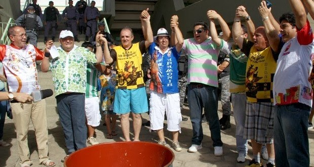Em decisão inédita, todas as escolas são campeãs do carnaval de Manaus