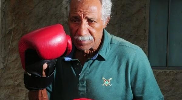 Aos 76 anos, pai dos irmãos Falcão perde em sua volta aos ringues
