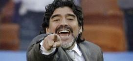Maradona vai torcer pela Argentina do hotel após ser acusado de pé-frio