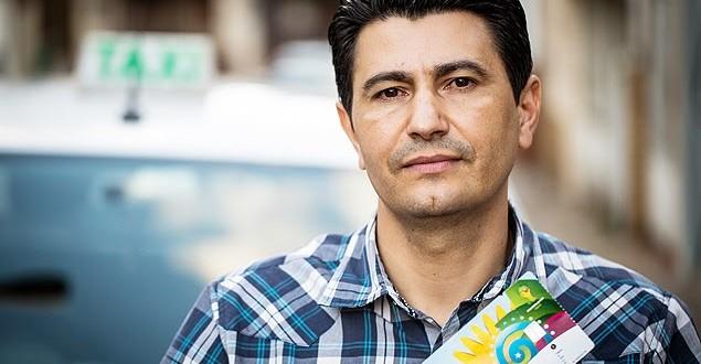 Taxista encontra 40 ingressos da Copa no carro e devolve a mexicanos