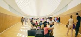 Nova universidade nos EUA inaugura biblioteca sem livros em papel