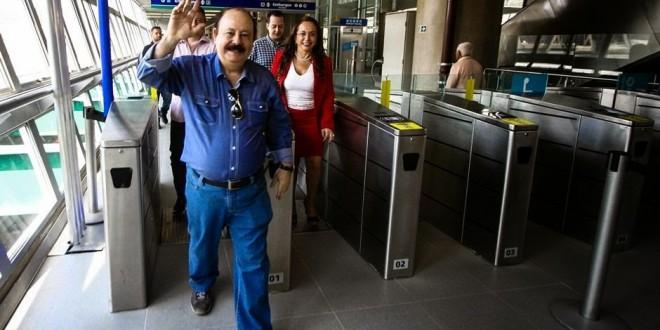 'Sonho realizado', diz Levy Fidelix sobre monotrilho tucano em São Paulo
