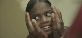 Vídeo mostra crianças cegas enxergando pela primeira vez