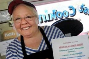 Restaurante deixa cliente pagar o quanto quiser por refeição