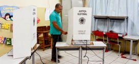 Taxista de Fernando de Noronha é o primeiro eleitor do Brasil a votar nas eleições 2014