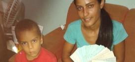 Catadora devolve a hospital R$ 250 mil em cheques achados no lixo