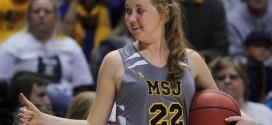 Jogadora com câncer terminal realiza sonho e estreia no basquete universitário