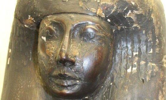 Sarcófago egípcio de 3 mil anos é encontrado em imóvel na Inglaterra