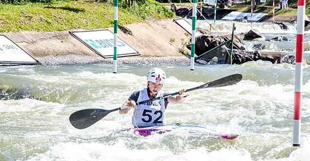 Com seca, seleção de canoagem precisa de bombas de água para treinar