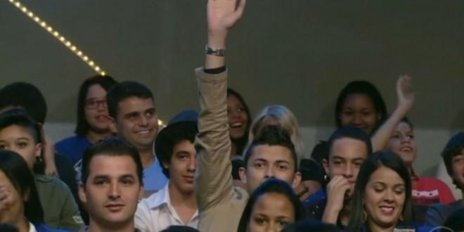 Jô repreende rapaz que grita palavras de apoio a Bolsonaro em seu programa