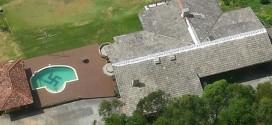 Polícia descobre suástica em piscina de residência em SC