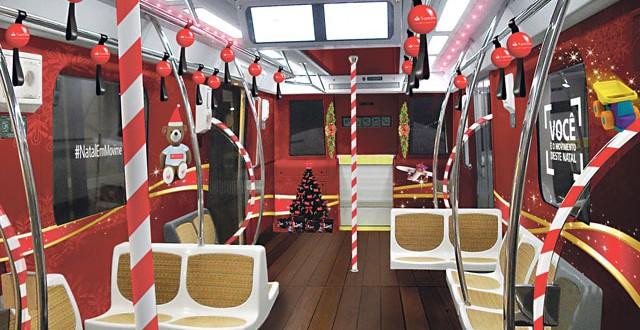 Metrô de São Paulo ganha decoração natalina