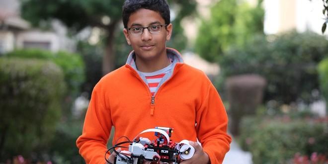 Garoto de 13 anos cria impressora braile de Lego em apenas um mês
