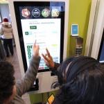 McDonald's testa sistema em que cliente monta seu sanduíche